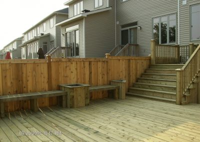 deck built in seating