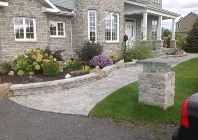 knee wall garden