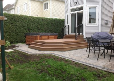 deck and hot tub landscaping